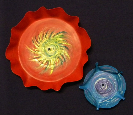 image of 2 painted bowls made from old records